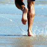 Correr descalzo: salud y libertad