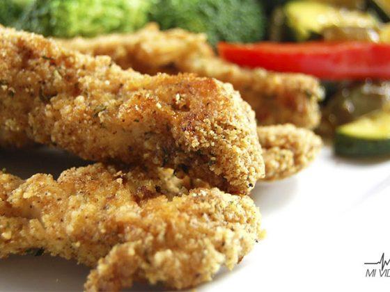 daños de la comida empanizada pollo